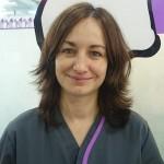 SONIA MUÑOZ JAÉN <br />Licenciada en Veterinaria por la UCM en 1997. Después de trabajar en otras clínicas ingresa en la clínica Estoril en Diciembre de 1999 entrando a formar parte de su equipo de urgencias, del que es actualmente la responsable.  Realizados diversos cursos de diagnóstico clínico y laboratorial de Novotech y Congresos de Especialidades Veterinarias (Oncología) de Avepa. Realizadas estancias de Oncología en la Facultad de Veterinaria de UCM tuteladas por Elena Martínez de Merlo durante tres años consecutivos. Posee la Diplomatura en interpretación Citológica en Pequeños Animales por la UCM impartido por Elena Martínez de Merlo. Miembro del GEVONC desde 2011. Corresponsable del servicio de Oncología de la clínica veterinaria Estoril. Responsable del servicio de Citología de la clínica veterinaria Estoril.